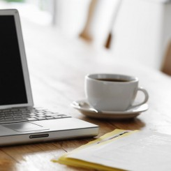 coffee-desk-laptop writing jobs canada